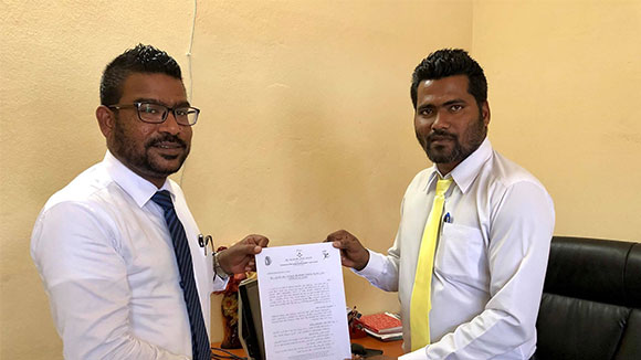 Atoll Council signs MOU with Hithaadhoo Council